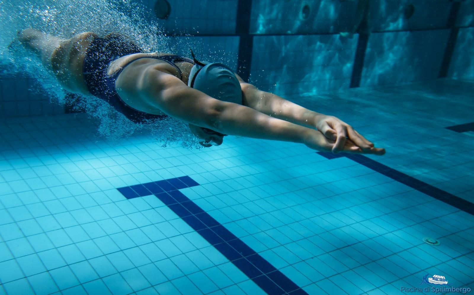 9d5794461991 Corsi di nuoto per tutti i livelli. ‹ ›